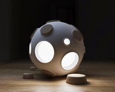Armstrong ovni lumineux par Constantin Bolimond et Maxim Ali #lamp #armstrong #light #design