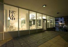 Beblond Store in Stuttgart / raumspielkunst | ArchDaily #rsk #modularlab #identity