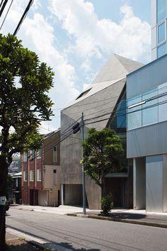 House in Minami-azabu by Hitoshi Wakamatsu Architect #house #minimalist #japanese #minimal
