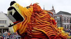 2012 Parade of flowers art sculpture lion