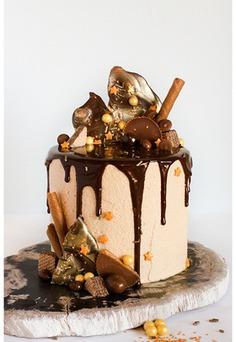 Candy-Covered Wedding Cakes,beautiful cakes,best cakes,cake for girls,cake ideas,cakes,candu cake,designer cakes,dessert,wedding cake