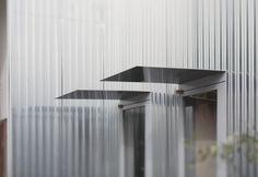 1308589705-mcnw007-1000x690.jpg (JPEG Image, 1000×690 pixels) #doors #metal #architecture #facades
