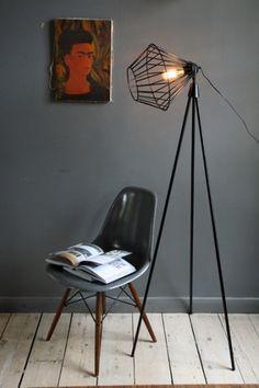 tripod-floor-lamp-black-5654-p.jpg 400×600 pixels #lamp #minimalism #eames