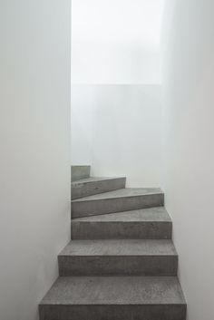 Mackintosh Studios by Matheson Whiteley. Photo © Maris Mezulis. #stairway #concrete #mathesonwhiteley #marismezulis