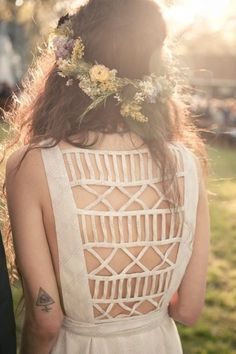 Backless Beauty #geometry #girl #coronet #back #spring #openwork #flowers