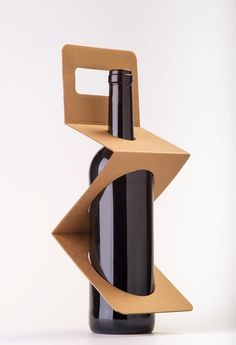 Zigpack wine packaging by Xavier Bernis Diaz #packaging #bottle