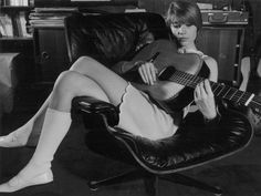 francoise-hardy-on-her-eames-lounge-chair1