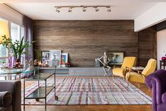 Porto Alegre Apartment by Tellini Vontobel Arquitetura