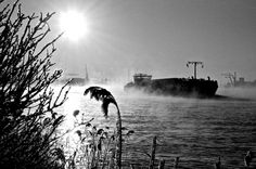 6819223799_b4a89bf33f_b.jpg 1.024×680 pixels #water #cold #photography #boat #amsterdam #ice #winter
