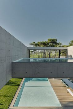Patio House - The Wall House / Guedes Cruz Arquitectos 18