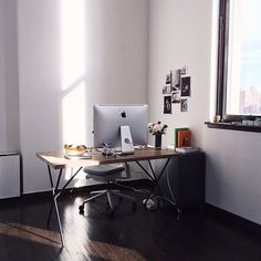The workspace of Alice Gao, a photographer based in NYC. #interior #design #decor