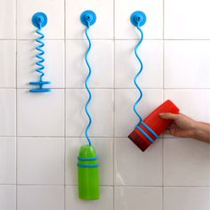 Prevent the dropping of shampoo bottles while showering.