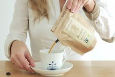 DISPOSABLE BAG IS ACTUALLY A SINGLE-BREW FRENCH PRESS #coffee #product #design #package