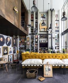 80 Modern TV Wall Decor Ideas - InteriorZine - #tv #wall #livingroom #decor #design #furniture