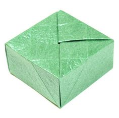 How to make a closed square origami box (http://www.origami-make.org/howto-origami-box.php)