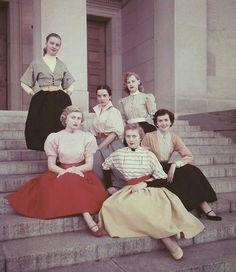 fashion-50s.jpg 433×500 pixels