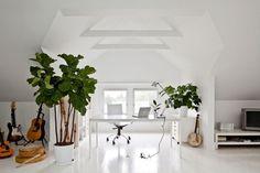 Pure. - Russian Carpet: Daily inspiration, trends, mood board. Architecture, art, design, fashion, photography. #inspiration #white #design #russian #photography #carpet #pure #green
