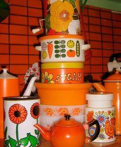 Très, Pomme de Jour / Orange Kitchen   Flickr - Photo Sharing! #kitchen #vintage #food