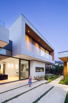 Vancouver House with Ample Garden and Courtyard Spaces 2