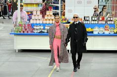 CHANEL Fall/Winter 2014/15 Ready to Wear Show #fashion