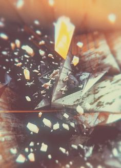 Atelier Olschinsky « PICDIT #design #art #abstract #graphic #yellow #colour