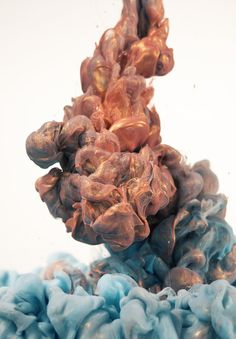 Glittering Metallic Ink Clouds Photographed by Albert Seveso #ink #glitter #water #photo #color