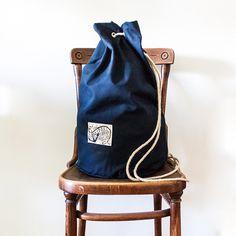 Seesack Nullkommasiebenprozen #chair #seabag #photography #nullkommasiebenprozent #fashion #bag #blue