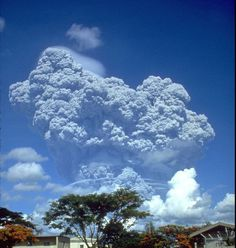 File:Pinatubo91eruption clark air base.jpg #pinatubo #1991