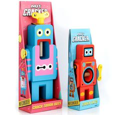 suck uk robot nutcrackers designboom05 #packaging #nutcracker #robot