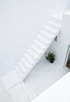 White stairway. Dar Mim by Septembre. Photo by Sophia Baraket. #white #stairway #darmim #septembre
