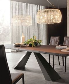 Eliot Table Collection