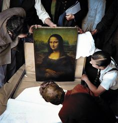 Unpacking Mona Lisa at the end of World War II in 1945 : ColorizedHistory