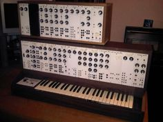 %21C%21EkeWw%21Wk%7E%24%28KGrHqIOKpQEy%2BjCyCRJBNBoU-UhSQ%7E%7E_12.JPG (JPEG Image, 500x375 pixels) #music #synthesizer #analog