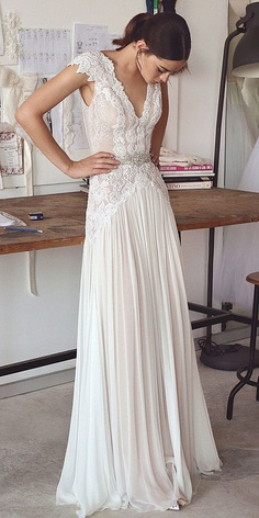 Lace wedding dress makes you a stunning lady. Get inspired with romantic and decorative lace.