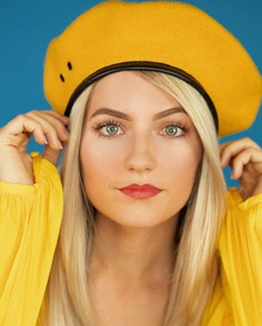 Colorful and Vibrant Lifestyle Portraits by Sandy Windham