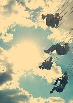 flying chairs #sun #carousel #flight #sky #photo #kids
