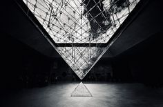 Mylo Xyloto #glass #architecture #pyramid