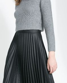 pleated4.jpg (600×744) #fashion #skirt #pleated #gray