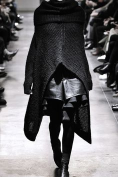 junya watanabe fall winter 2011 #layers #junya #black #women #leather #fashion #watanabe #knit