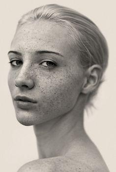 tumblr_m6l9uzPDIO1qcrb3vo2_1280.jpg 675×1,000 pixels #photo #freckles