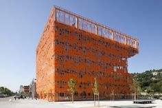 Le Cube Orange par Jakob + Macfarlane | Muuuz - Webzine Architecture & Design #macfarlane #design #orange #jacob #le #cube
