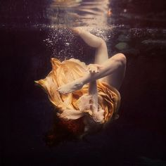 Brooke Shaden #brooke #woman #bubbles #yellow #cloth #photography #shaden #underwater