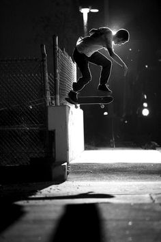 Drop Anchors #skateboard #white #black