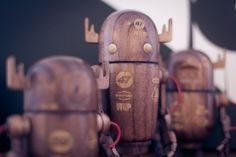 rob_woodbot_img_6828.jpg (JPEG Image, 1000 × 667 pixels) #wood #toys #design