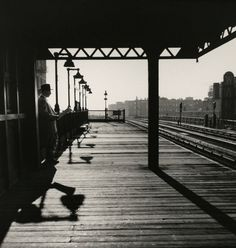 luzfosca:Larry SilverBronx Subway Station, 1950From Larry Silver: Early Work: New York #train #shadows #white #black #photography #vintage #and #station