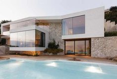 Architecture With a Distinct Modern Personality in Dubrovnik, Croatia: V2 House #architecture #dubrovnik #modern