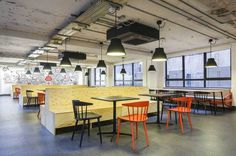 Google Campus, un garaje para crear sinergias entre start-ups » Blog del Diseño #lamps #space #chairs