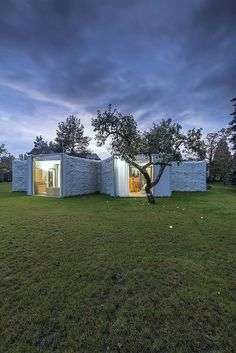 czech home turns its focus to the garden #architecture #contemporary