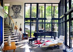1963 Mountain Brook House in Alabama Gets a Contemporary Update 3