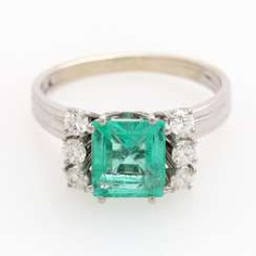 Ring with an emerald approx. 1,8 ct.,